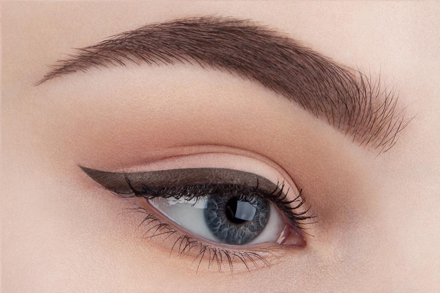Идеальный макияж: гелевая подводка для глаз