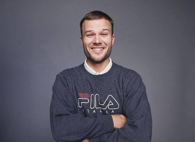 СБУ сняла запрет на въезд в Украину певцу Максу Коржу
