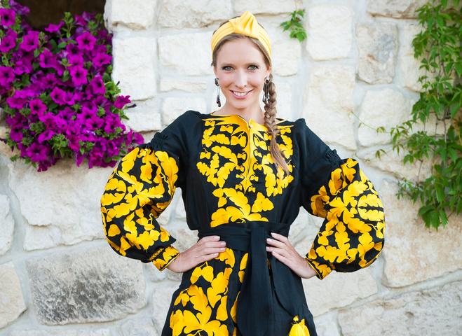 Катя Осадчая опубликовала архивные фото из своего модельного прошлого