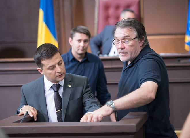 Режиссёр «Слуга народа» Алексей Кирющенко впервые стал дедушкой