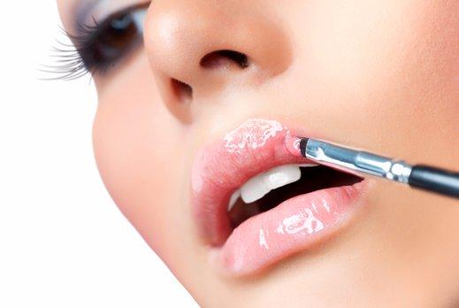 Как сделать губы пухлыми без хирургических вмешательств