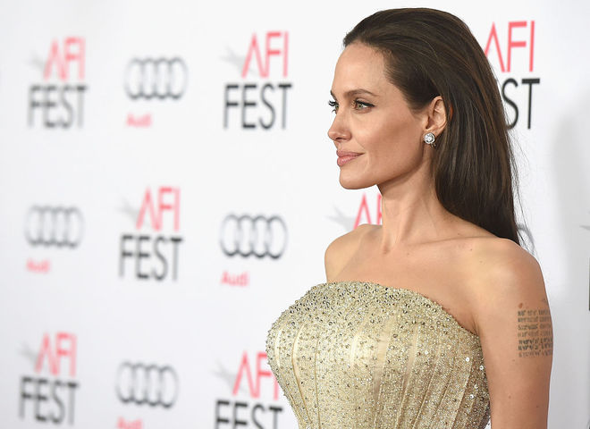 СМИ: Джоли выходит замуж за арабского миллиардера
