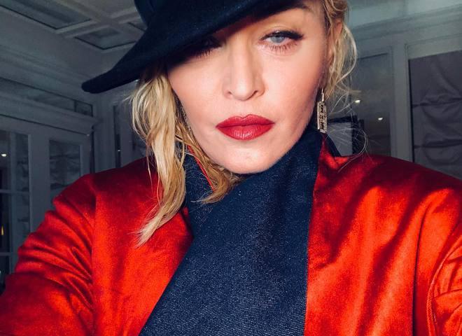 Топлес: 59-летняя Мадонна поделилась откровенным фото