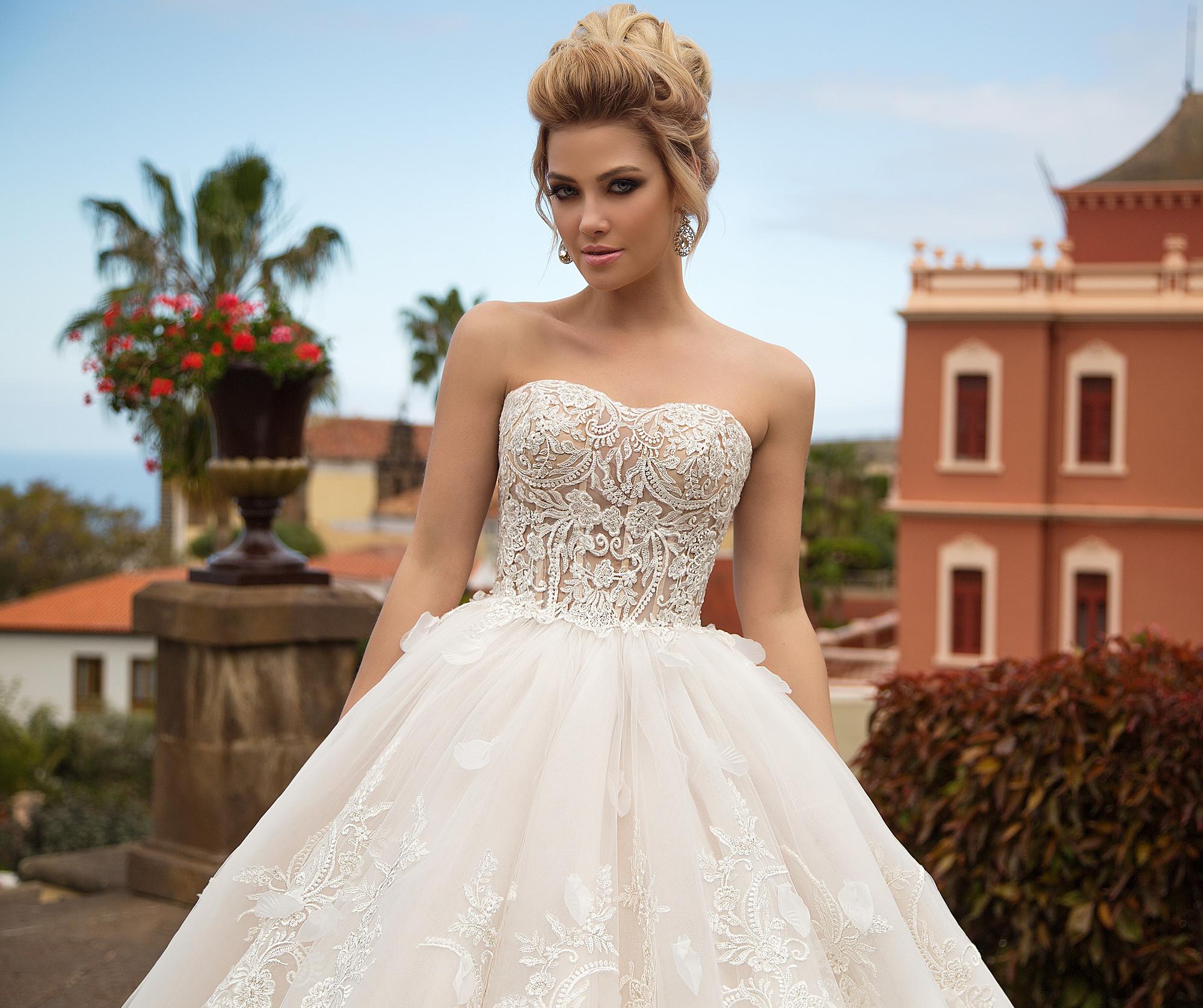 Свадебное платье согласно модным тенденциям