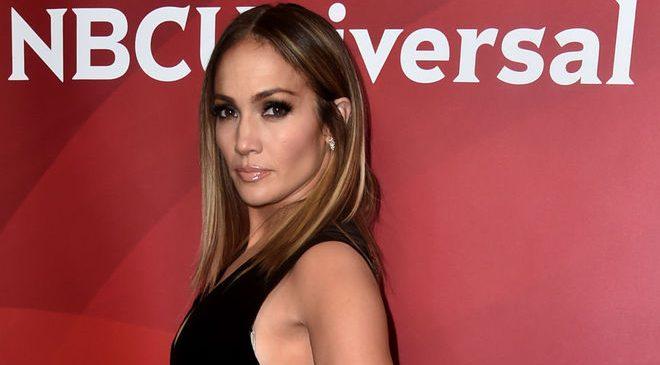Дженнифер Лопес прокомментировала разговоры о помолвке с Алексом Родригесом