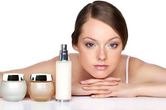 Четыре правила как сохранить макияж в непогоду