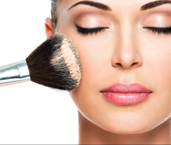 5 способов скрыть усталость на лице с помощью макияжа