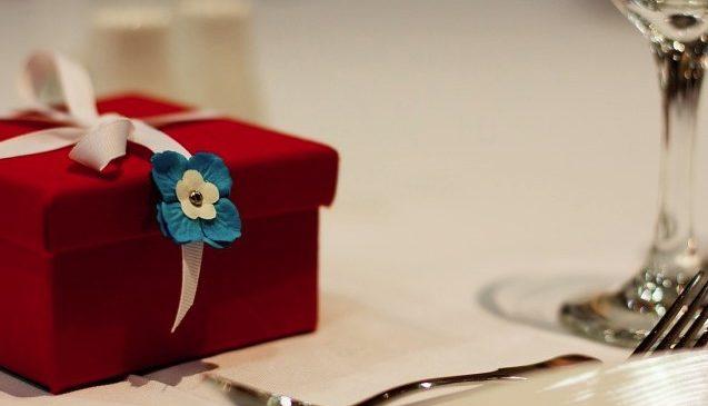Интересные сувениры и подарки: что преподнести по значимому поводу