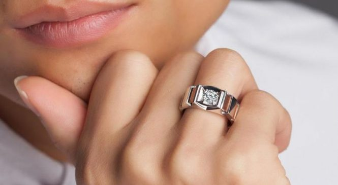 Как сочетать кольца с маникюром?