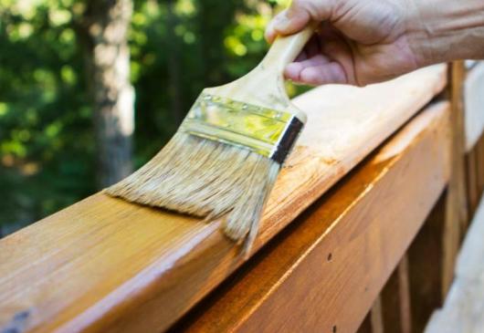 Применение антисептика для обработки деревянных элементов