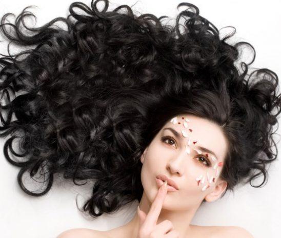 Роскошный цвет, стойкий оттенок: косметика для волос Brelil Professional