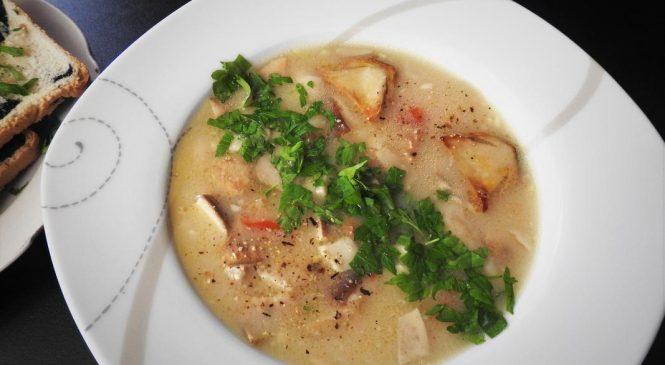 Как приготовить итальянский куриный суп со специями?