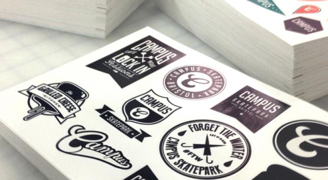 Печать наклеек на бампер, презентационные папки печати наклеек, полиграфия