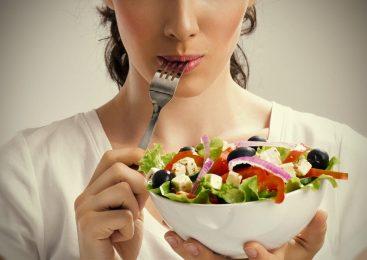 Заменители пищи: могут ли они помочь вам похудеть, и кто должен их использовать?