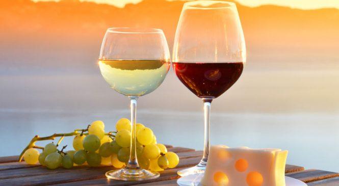 Сухое и полусухое вино – в чём их разница, и что лучше приобретать на торжество?